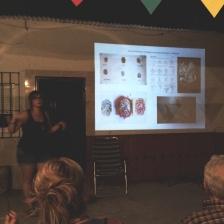 Silvia Siles, una de las componentes de La Rueda Invertida nos presenta la labor y el trabajo del colectivo compuesto por siete chicas.